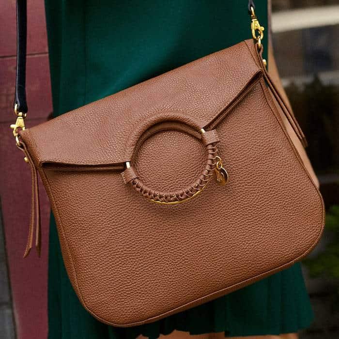 dd28f3f00 Bolso/Cartera Para Mujer Tipo Mensajero en Cuero - DFV Leather